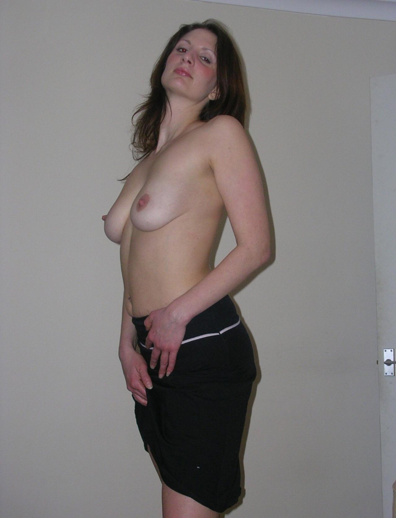 Belle femme mature nue en photo dans le 21 cherche bite à sucer